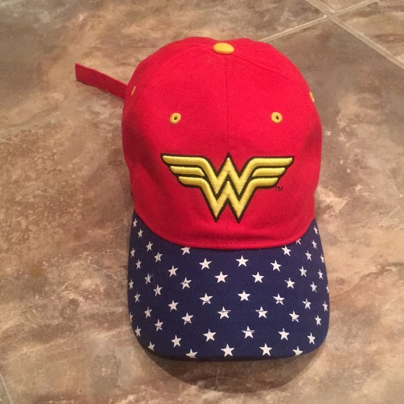 00846b8159106 Accessories - Wonder Woman baseball cap